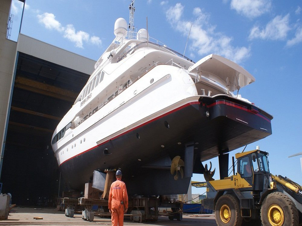 Elysee Yachts - Luxury Yacht Charter | An eye on a huge shipyard