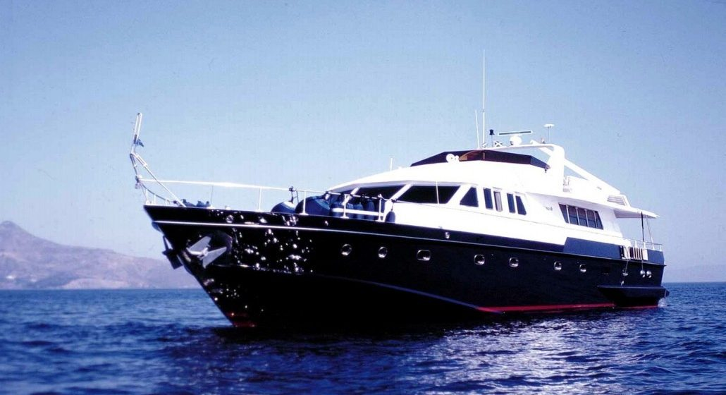 Elysee Yachts Luxury Yacht Charter Oh Que Luna